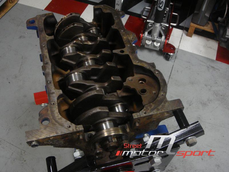 STREET MOTORSPORT // Corrado 16VG60 - Page 2 Street_motorsport_16g_16vg60_montage_bas_moteur_1